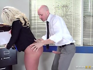 big butt blowjob